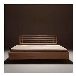 Łóżko z naturalnego drewna Bow design zaklęty w naturze