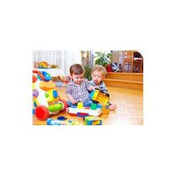 Foto naklejka samoprzylepna 100 x 100 cm - Dwa cute dzieci małe dzieci bawiące się w pokoju dziecięcego