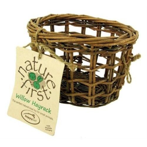 Koszyczek z gałązek wierzby do zawieszenia w klatce