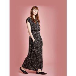 Długa suknia w łączkę