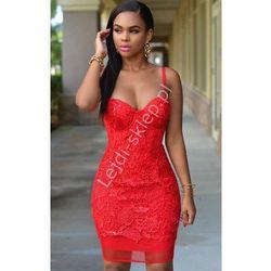 Czerwona sukienka z gipiury | czerwone koronkowe sukienki